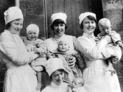 Nurses on North Uist 1926.  Credit: National Museums of Scotland